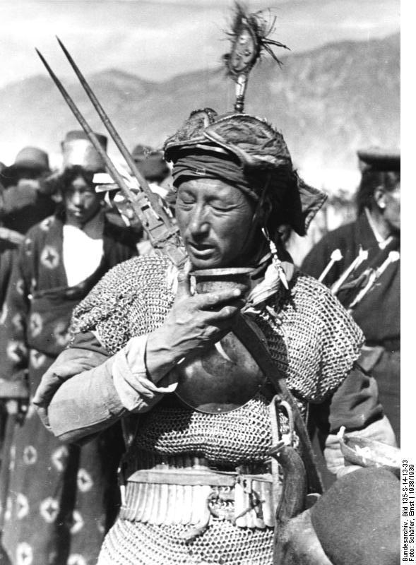 http://www.manchuarchery.org/images/reference/tibetan/tibetan-warrior.jpg